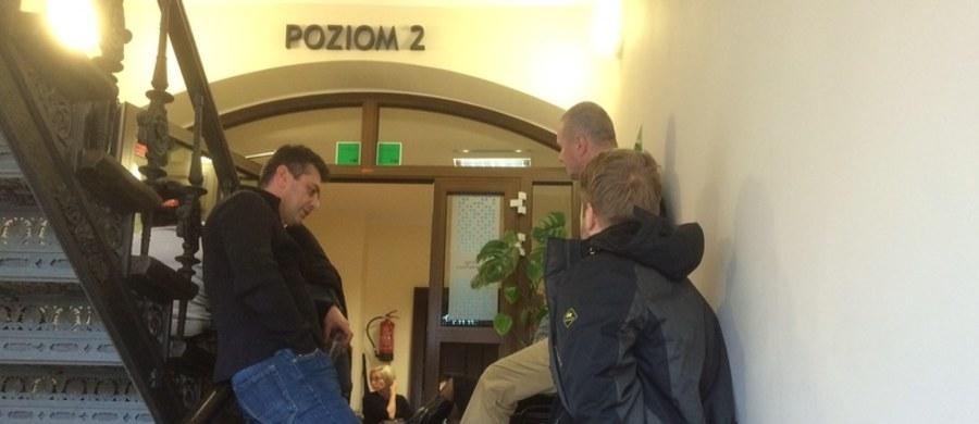 Na pomoc kolegów liczyli pracownicy szpitala w Trzebnicy, którzy okupują od sylwestra miejscowe starostwo powiatowe. Jednak w piątek o poranku pielęgniarki i lekarze, którzy chcieli wymienić protestujących, nie zostali wpuszczeni do budynku.
