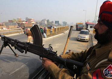 Atak islamistów na bazę lotniczą w Indiach