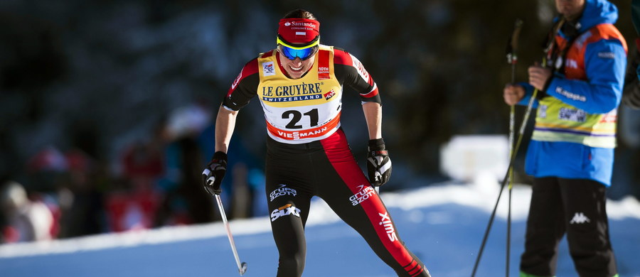 Justyna Kowalczyk odpadła w ćwierćfinale sprintu techniką klasyczką w niemieckim Obertsdorfie. Polka zajęła w swojej serii trzecie miejsce, przegrywając na finiszu z Laurą Mononen. Zwyciężyła Therese Johaug, do której Kowalczyk traciła 3,50 s. Zawody w Oberstdorfie są czwartym etapem prestiżowego cyklu Tour de Ski.