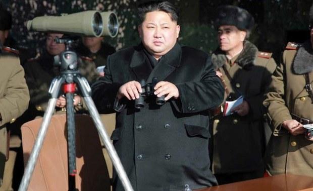 Rada Bezpieczeństwa ONZ zbierze się na nadzwyczajnym posiedzeniu, którego tematem będzie ostatnia próba broni nuklearnej przeprowadzona przez komunistyczny reżim Korei Północnej - poinformowała agencję Reutera amerykańska misja przy ONZ. Według rozmówców Reutersa specjalne posiedzenie RB ONZ ma się rozpocząć ok. godz. 17 czasu polskiego. Dyplomaci zaznaczają jednak, że rozmowy będą przebiegać za zamkniętymi drzwiami.