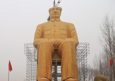 Gigantyczny Mao stanął w szczerym polu. Statuę ufundowali biznesmeni