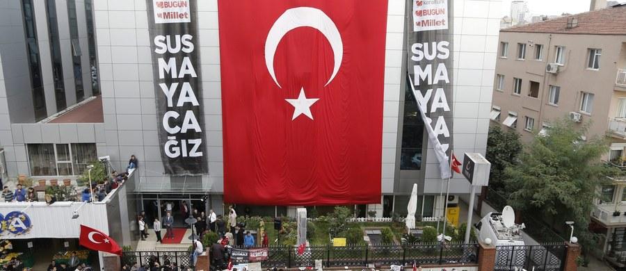 W Stambule w środę ruszył proces wpływowego islamskiego duchownego Fethullaha Gulena, który jest uważany za politycznego przeciwnika prezydenta Recepa Tayyipa Erdogana. Mieszkający w USA Gulen jest sądzony zaocznie – zarzuca mu się próbę obalenia Erdogana.