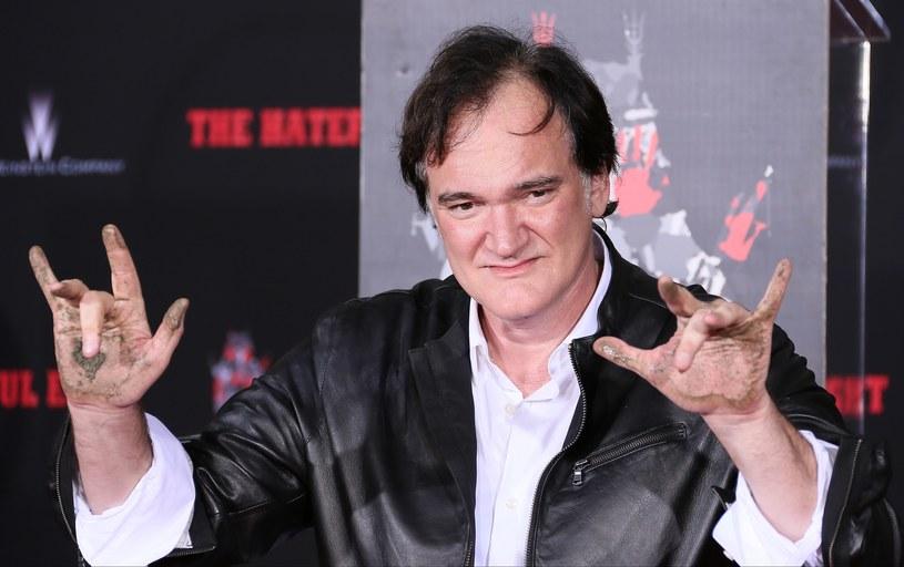 """Amerykański reżyser Quentin Tarantino pozostawił odcisk dłoni i stóp w Alei Sław w Hollywood. """"Marzyłem o tym, jeszcze nim zaczęła się moja kariera"""" – powiedział."""