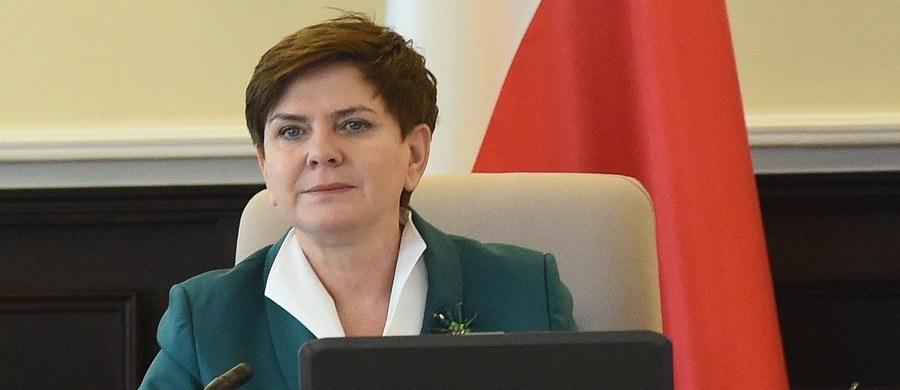Rząd będzie aktywny w debacie w Komisji Europejskiej dotyczącej Polski - zapowiada premier Beata Szydło. Zazna, że rząd przygotowuje się do rzeczowego i racjonalnego przedstawienia faktów.
