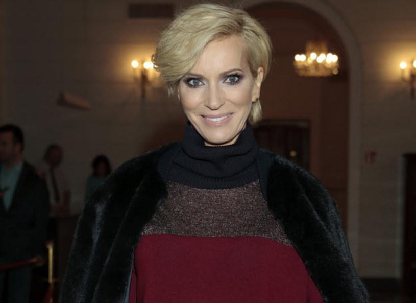 Dziennikarka lubi ubrania polskich projektantów. Twierdzi, że są one nietuzinkowe i piękne. Prezenterka często zwraca uwagę swoim strojem podczas pobytów na zagranicznych konferencjach, m.in. w Berlinie i Nowym Jorku.