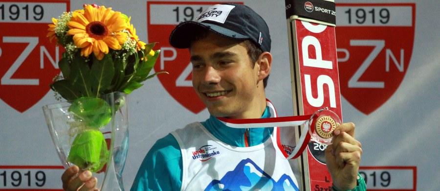 Jakub Wolny to mistrz świata juniorów z 2014 roku. Zdobył wtedy złoto indywidualnie i w konkursie drużynowym. Nadzieja naszych skoków narciarskich po długiej przerwie spowodowanej kontuzjami znów spróbuje sił w Pucharze Świata! Powalczy w kwalifikacjach do konkursu w Willingen.