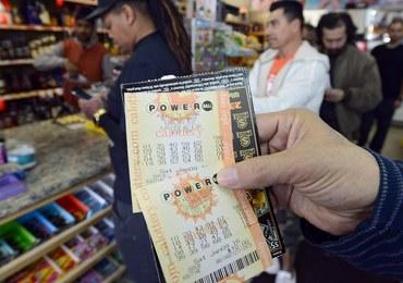 Zawrotna kumulacja w loterii Powerball: W stawce 1,3 miliarda dolarów!