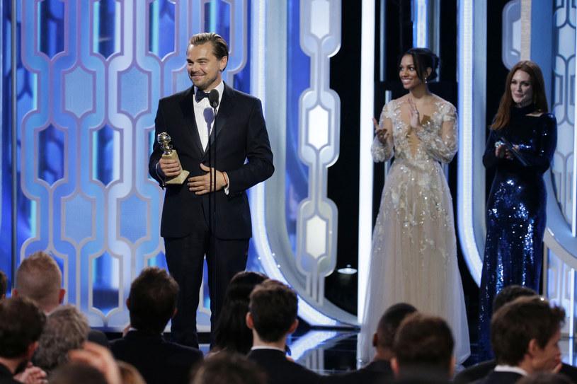 """W Beverly Hills, w Kalifornii, odbyła się niedzielę, 10 stycznia, wieczorem (czasu lokalnego) gala, podczas której wręczono po raz 73 doroczne nagrody Złotych Globów przyznawanych przez Hollywoodzkie Stowarzyszenie Prasy. Główne nagrody zdobyły filmy """"Zjawa"""" i """"Marsjanin""""."""