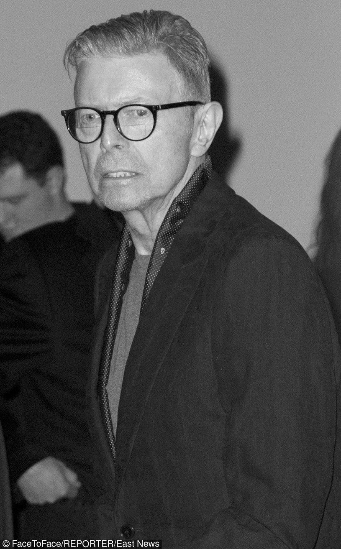 Dwa dni po swoich 69. urodzinach zmarł jeden z najwybitniejszych artystów - David Bowie. Od dłuższego czasu walczył z rakiem, od ponad dekady nie koncertował.