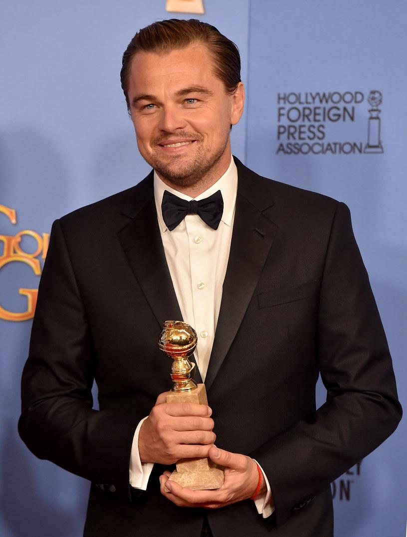 """Na gali rozdania Złotych Globów, która odbyła się 10 stycznia, Leonardo DiCaprio miał powody do świętowania. Aktor został wyróżniony za swoją kreację w filmie """"Zjawa"""". Podczas przemówienia, DiCaprio nie omieszkał zaapelować do światowej społeczności o rozwiązanie ważnego społecznego problemu."""