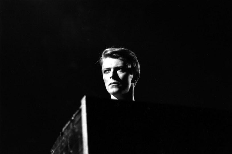 The Roots, Perry Farrell, Cyndi Lauper oraz The Mountain Goats to część artystów, którzy w marcu zagrają specjalny koncert w hołdzie Davidowi Bowiemu.