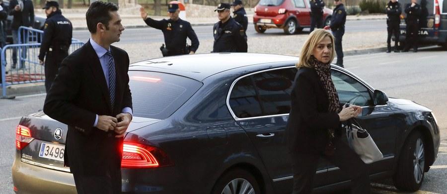 W Palma de Mallorca na Balearach rozpoczął się proces siostry króla Hiszpanii Filipa VI infantki Cristiny de Borbon i jej męża Inakiego Urdangarina. Wraz z kilkunastoma osobami są oni oskarżeni o zdefraudowanie milionów ze środków publicznych.