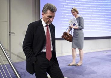 Komisarz Oettinger upomniany za słowa dotyczące Polski