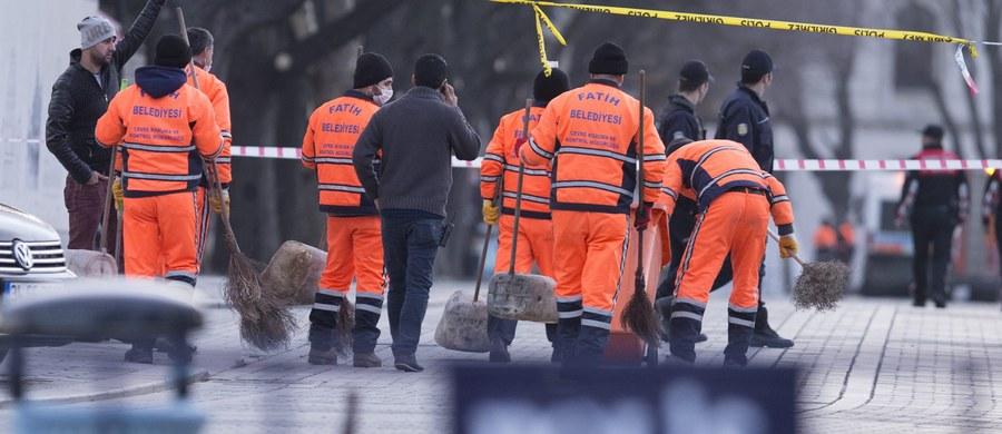 """Kanclerz Angela Merkel ostro potępiła zamach w Stambule, w którym zginęło 10 osób, w tym co najmniej ośmiu Niemców. """"To morderczy akt"""" - powiedziała wieczorem szefowa niemieckiego rządu."""