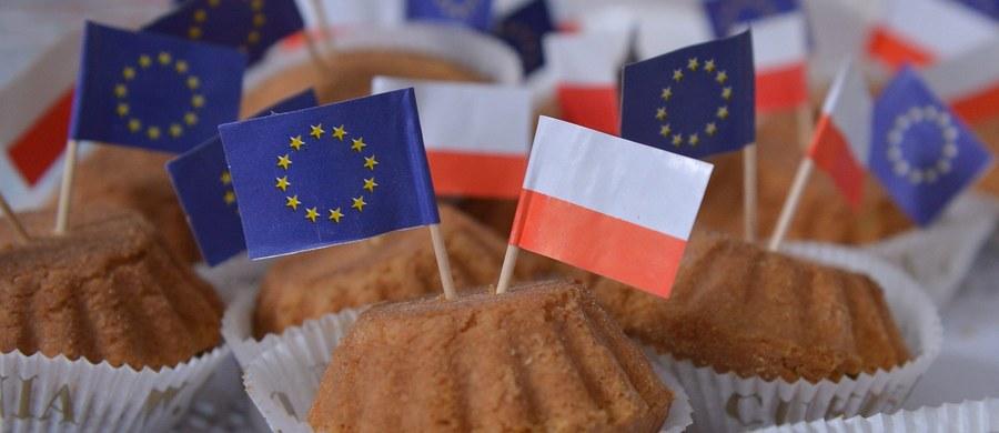 Dopóki Polska będzie objęta procedurą nadzoru, to będzie miała osłabioną pozycję w relacjach z Brukselą, a nawet z całą Unią. Trudniej będzie przekonać Komisję Europejską, żeby wspierała nasze stanowisko w sprawie Nord Stream 2. Trudniej będzie także przekonać Brukselę, by uwzględniła interesy naszego przemysłu w swoich propozycjach dotyczących handlu emisjami. Przyznał to w rozmowie ze mną jeden z wysokich rangą unijnych dyplomatów, bardzo przychylny Polsce. A to są wymierne interesy naszego kraju.