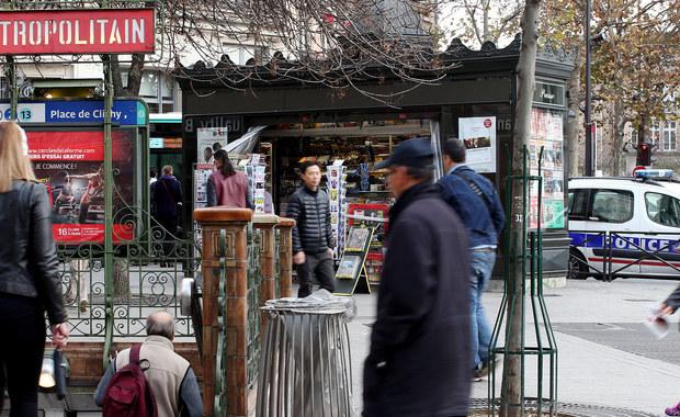 """Rośnie groźba ataków islamskich terrorystów w paryskim metrze - alarmują autorzy specjalnego parlamentarnego raportu we Francji, którzy powołują się na informacje służb specjalnych. Zalecają oni przeprowadzenie """"czystki"""" wśród pracowników paryskiego przedsiębiorstwa komunikacji miejskiej, wśród których mogą się znajdować islamscy ekstremiści."""