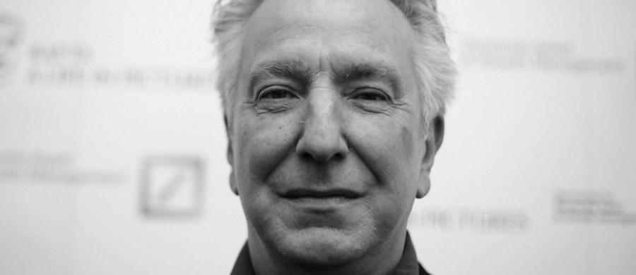 """Nie żyje słynny brytyjski aktor Alan Rickman. Artysta znany był m.in. z filmów o przygodach """"Harry'ego Pottera"""". Wcielił się tam w rolę profesora Snape'a."""