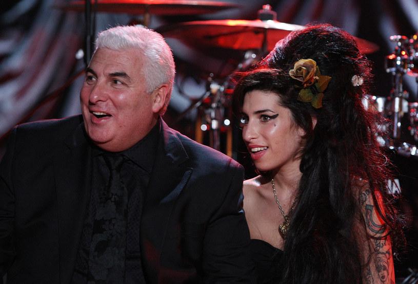 """Ojciec Amy Winehouse ma mieszane uczucia wobec nominacji Amy Winehouse do nagrody Brit Awards w kategorii najlepsza brytyjska wokalistka. Dodatkowo Asif Kapadia ma szansę otrzymać Oscara za dokument """"Amy"""" opowiadający o życiu zmarłej gwiazdy."""