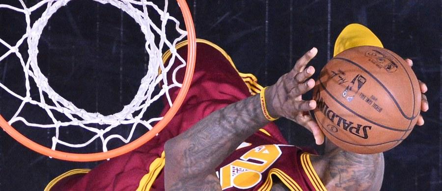 LeBron James - jedna z największych gwiazd koszykarskiej ligi NBA spróbuje sił w branży filmowej. Będzie współproducentem serii programów społecznych, których celem jest rewitalizacja przestrzeni i stworzenie miejsc pracy w Cleveland.