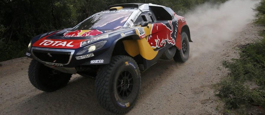 Francuz Stephane Peterhansel jadący Peugeotem wygrał Rajd Dakar w kategorii samochodów. To jego 12. zwycięstwo w imprezie – sześć razy triumfował jako motocyklista i sześć jako kierowca samochodu terenowego. Wśród motocyklistów najszybszy był Australijczyk Toby Price.