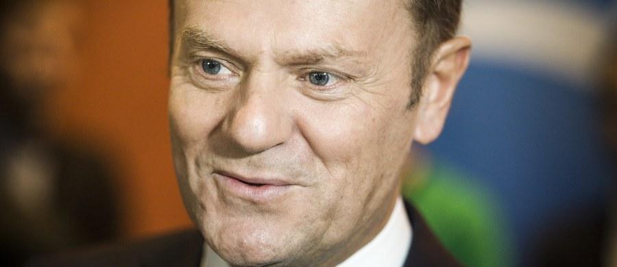 """Przewodniczący Rady UE Donald Tusk """"może sobie wyobrazić"""", iż sytuacja w Polsce będzie przedmiotem dyskusji na szczycie Unii Europejskiej – napisał w swoim internetowym wydaniu niemiecki tygodnik """"Der Spiegel"""". """"Nie mam wątpliwości, że polski problem jest na tyle interesujący, że może być przedmiotem dyskusji"""" - powiedział Tusk cytowany przez """"Spiegla""""."""
