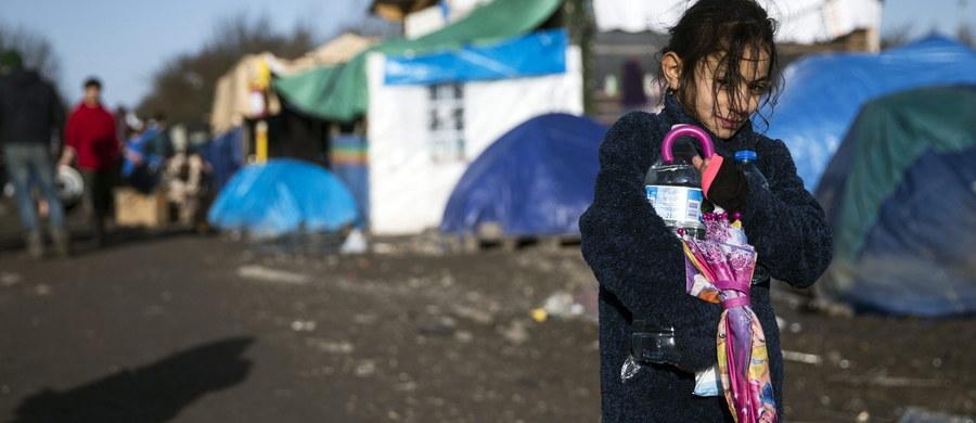 """Należy unikać postrzegania migrantów jako """"zagrożenia dla bezpieczeństwa"""" – oświadczył szef Międzynarodowej Organizacji ds. Migracji (IOM) William Lacy Swing. W swoim przemówieniu odnosił się do sylwestrowych zajść w Kolonii i listopadowych zamachów w Paryżu."""