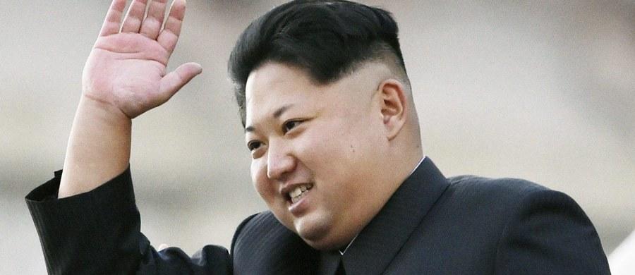 Północnokoreańskie władze twierdzą, że jedna ze stołecznych firm wyprodukowała napój alkoholowy, który dzięki specjalnej kombinacji składników nie wywołuje kaca. Informację podał portal NK News, specjalizujący się w wiadomościach z Korei Północnej.