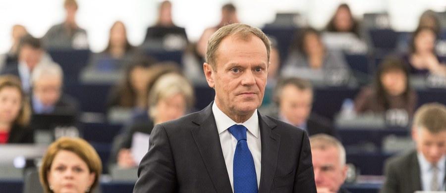 """Przewodniczący Rady Europejskiej Donald Tusk ocenił, że wtorkowa debata w europarlamencie na temat sytuacji w Polsce to """"smutne zdarzenie"""". """"Przedstawiciele polskich władz muszą bronić racji, które są kwestionowane w Europie, na świecie i w Polsce"""" - podkreślił."""