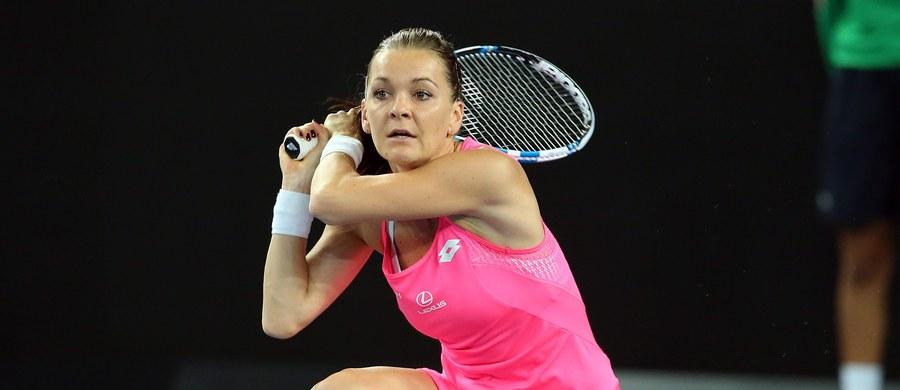 Agnieszka Radwańska pokonała w trzeciej rundzie Portorykankę Monicę Puig 6:4, 6:0 i awansowała do 1/8 finału wielkoszlemowego turnieju tenisowego Australian Open w Melbourne. O ćwierćfinał Polka powalczy z Niemką Anną-Leną Friedsam.