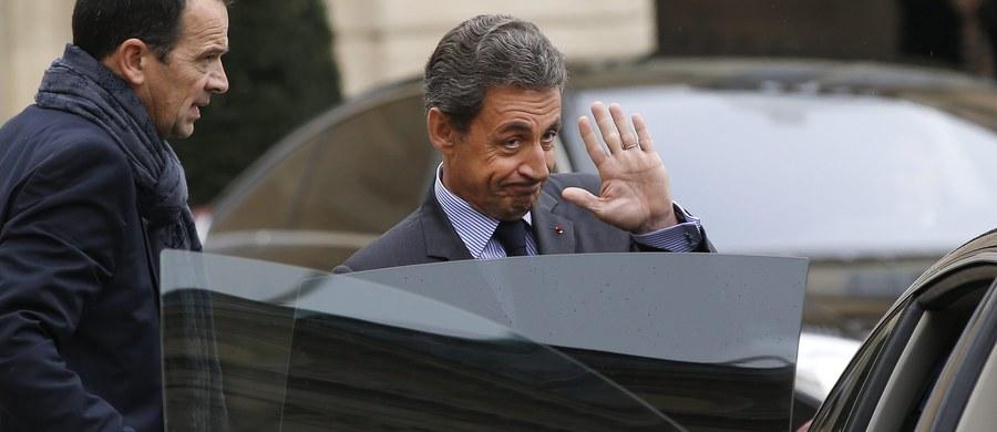 """Nicolas Sarkozy, który w 2017 roku będzie najpewniej znów ubiegał się o prezydenturę, przyznaje w nowej książce """"La France pour la vie"""" (""""Francja na całe życie""""), że popełniał błędy i zirytował część wyborców w czasie swej kadencji w latach 2007-12. Książka pojawi się w księgarniach w poniedziałek."""