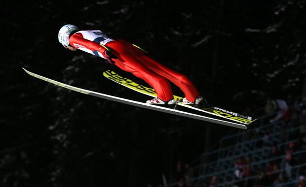 Polacy - z Kamilem Stochem, który odzyskał formę i wygrał kwalifikacje (134 m) do niedzielnych zawodów indywidualnych - zapowiadają ambitną walkę w dzisiejszym konkursie drużynowym Pucharu Świata w skokach narciarskich w Zakopanem.