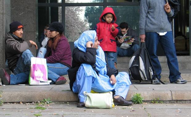 Skrajnie prawicowy holenderski polityk Geert Wilders uważa, że uchodźcy muszą być pozamykani w specjalnych ośrodkach. Według niego stanowią oni zagrożenie dla europejskich kobiet.