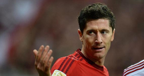 """Piłkarski wicemistrz Hiszpanii Real Madryt zaproponował Bayernowi Monachium 98 mln euro za transfer Roberta Lewandowskiego - tak przynajmniej twierdzi internetowy serwis gazety """"Marca"""", powołując się na brytyjski """"The Guardian""""."""
