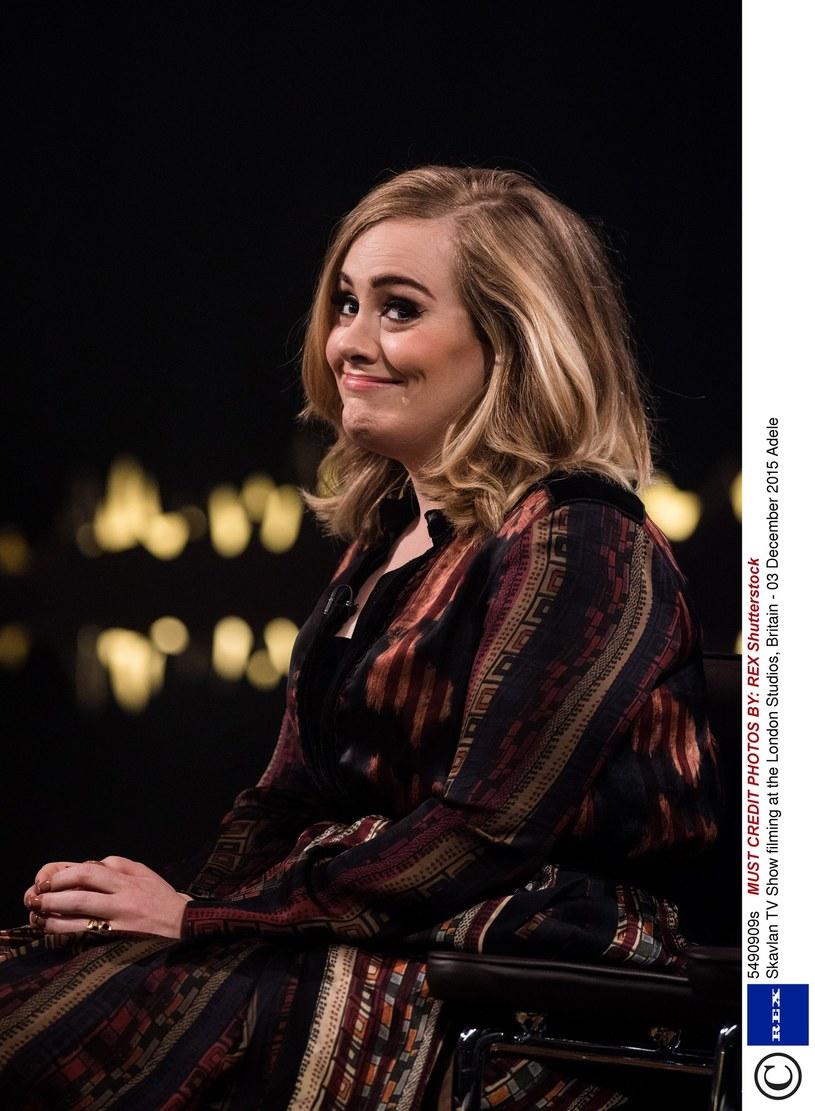 """Utwór """"Hello"""" Adele doczekał się już mnóstwa interpretacji. Nicholas Murray, bardziej znany jako Conkarah, i jego młodsza, 14-letnia siostra, Rosie Delmah, również postanowili nagrać własną wersję przeboju Brytyjki. Ich cover cieszy się dużą popularnością w sieci."""