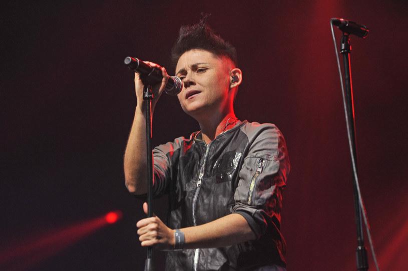 """""""Polska A B C i D"""" to pierwszy singel promujący nowy album Marii Peszek """"Karabin"""", który ukaże się 26 lutego."""