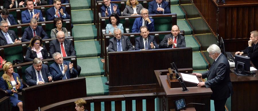 """Mówienie """"nie"""" nie pomoże Polsce być poważniej traktowaną, potrzebny jest konstruktywny dialog i współpraca – tak piątkowe wystąpienie szefa MSZ Witolda Waszykowskiego w sprawie kierunków polskiej polityki zagranicznej ocenia dr Kai-Olaf Lang niemiecki ekspert ds. partnerstwa wschodniego z berlińskiej Fundacji Wissenschaft und Politik (Wiedza i Polityka). Dr Lang dodaje także, że z wypowiedzi ministra Waszczykowskiego wynika, że Niemcy są dla Polski partnerem ważnym, ale nie najważniejszym."""