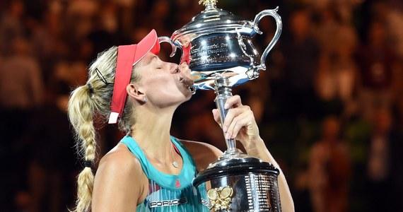 Rozstawiona z numerem siódmym Niemka polskiego pochodzenia Angelique Kerber zaskoczyła świat tenisa. W finale wielkoszlemowego Australian Open pokonała ubiegłoroczną triumfatorkę Serenę Williams 6:4, 3:6, 6:4. To pierwszy wielkoszlemowy tytuł w karierze Kerber.
