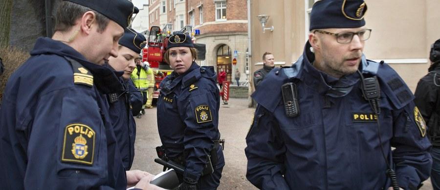 Kilka minut po godzinie 15 policja, straż pożarna oraz pogotowie w szwedzkim mieście Karlstad zostały zaalarmowane o potężnym wybuchu w gimnazjum. Huk był tak duży, że szyby w oknach okolicznych domów zatrzęsły się, a w samochodach zaczęły wyć alarmy.