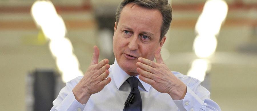 Premier David Cameron oświadczył, że projekt porozumienia w sprawie warunków członkostwa Wielkiej Brytanii w UE spełnia większość oczekiwań Londynu. Szef Rady Europejskiej Donald Tusk ocenił, że projekt to dobra podstawa do kompromisu.