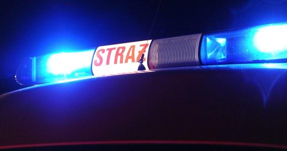 Tragedia na warszawskiej Pradze. W mieszkaniu 21-latka eksplodowały materiały pirotechniczne. Mężczyzna stracił obie dłonie.