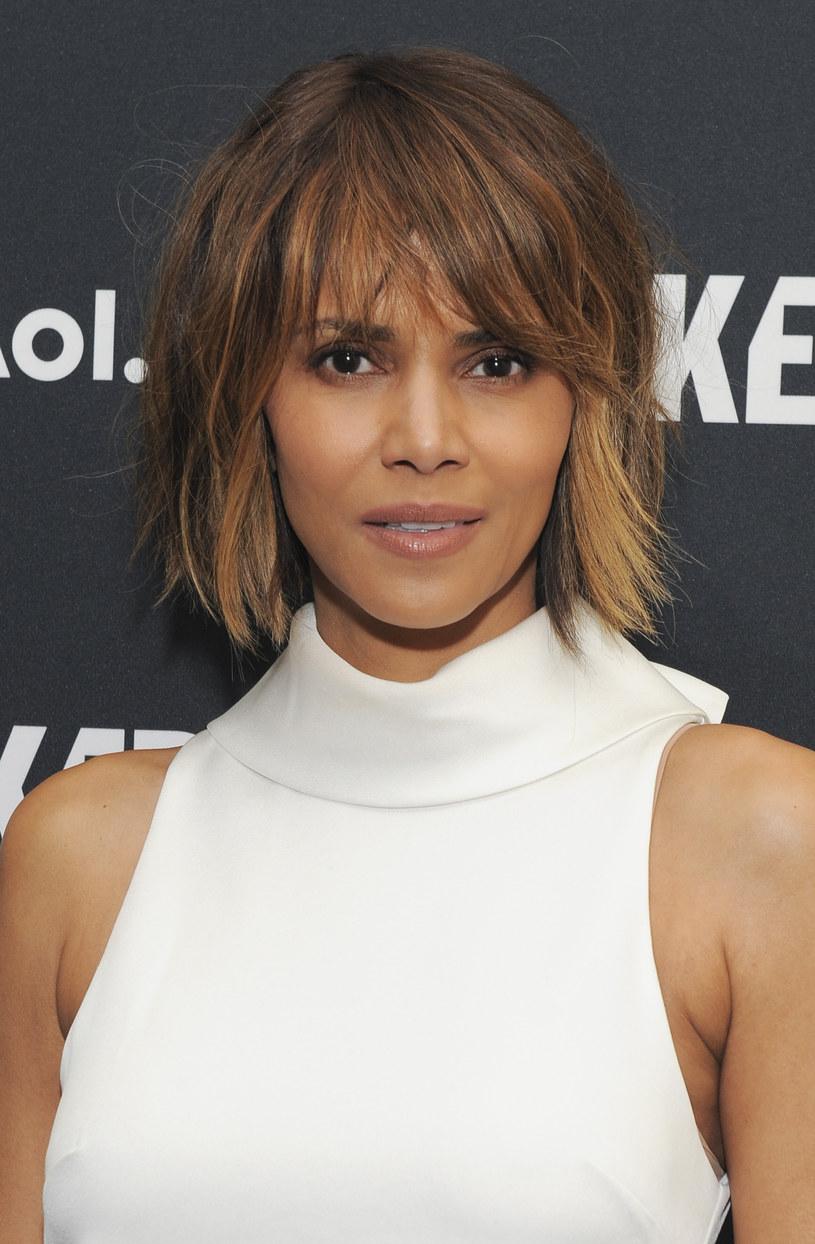 Nie ustają komentarze dotyczące braku nominacji do Oscarów dla czarnoskórych aktorów i aktorek. W ostatnim czasie głos w tej sprawie zabrała również Halle Berry.