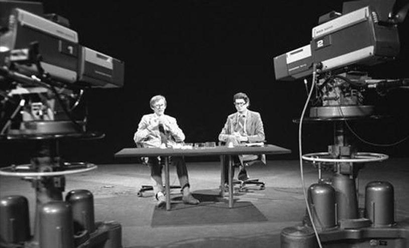 """Wiosną telewizyjna Dwójka rozpocznie emisję nowych odcinków niezwykle popularnego w latach 70. i 80. magazynu popularnonaukowego """"Sonda"""". """"Wyobrażenia Kurka i Kamińskiego konfrontujemy ze współczesnością"""" - mówią twórcy programu. """"Sonda 2"""" będzie emitowana w czwartki wieczorem."""