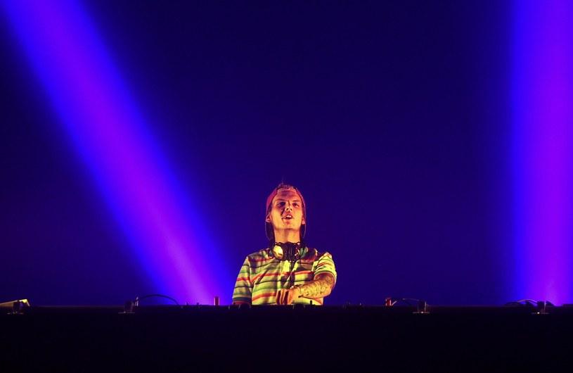 15 lipca na Stadionie Energa Gdańsk wystąpi jedna z największych gwiazd muzyki klubowej ostatnich lat, Avicii. Szwedzki DJ zaprezentuje się w ramach wydarzenia Music Power Explosion. A wszystko na gigantycznej scenie, w rytm wielkich przebojów z towarzyszeniem imponujących wizualizacji i gry świateł.