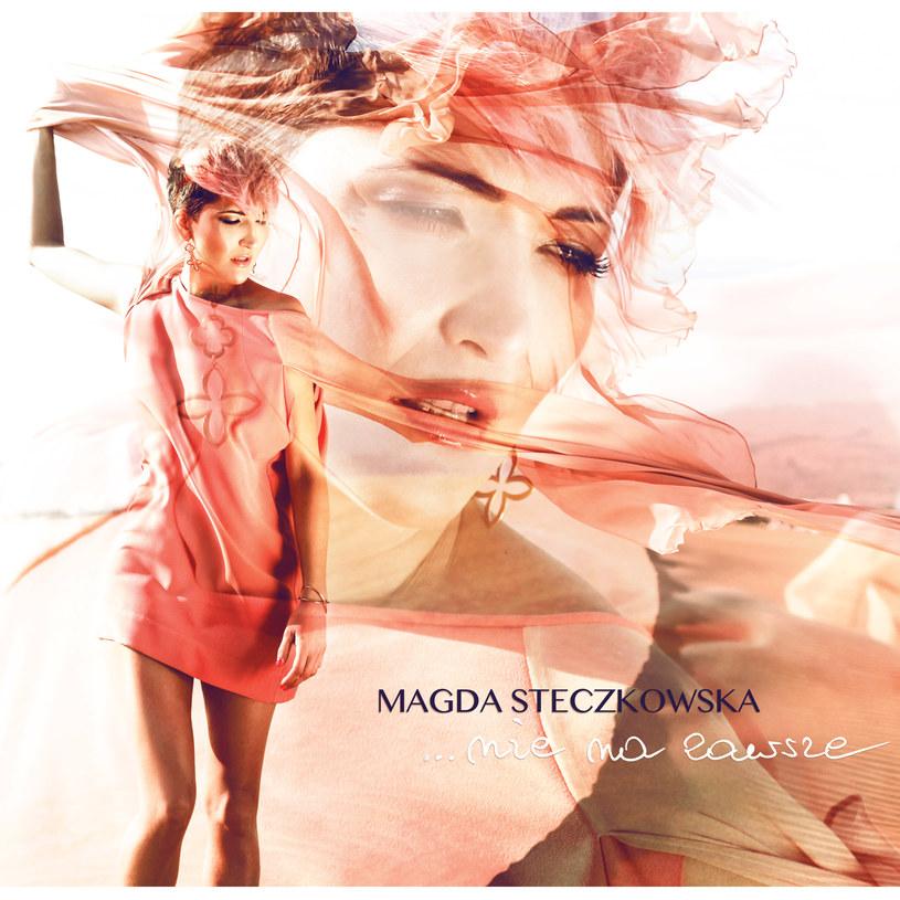 Magda Steczkowska ostrzegała, że to będzie płyta o miłości. O tej trudnej i tej różowej, o rozstaniu, tęsknocie i spełnieniu - także w macierzyństwie. Czy jesteśmy gotowi na tak potężną falę szczerych emocji?
