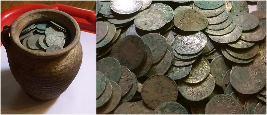 Będą kolejne poszukiwania w Wałbrzychu, gdzie mieszkaniec znalazł blisko 1400 srebrnych monet, najpewniej czeskich groszy. Skarb przeleżał pod ziemią prawdopodobnie 600 lat. Cennym znaleziskiem jest także niewielki dzbanek, w którym monety były ukryte. Drugi, znacznie większy, był rozbity. Dziś oficjalne zgłoszenie ws. odkrycia trafi do konserwatora zabytków. Wycena znaleziska może zająć blisko dwa tygodnie.
