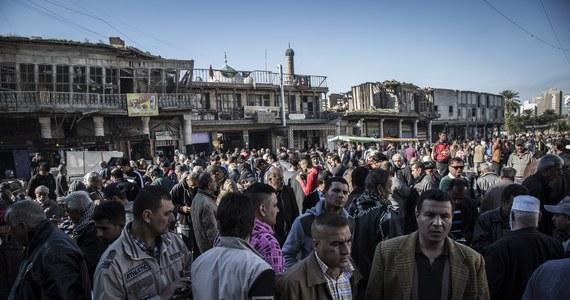 """Premier Iraku Hajder al-Abadi odrzucił zapowiedzianą przez siły bezpieczeństwa budowę wokół Bagdadu muru, który miałby chronić miasto przed atakami dżihadystów z Państwa Islamskiego (IS). """"Bagdad jest stolicą wszystkich Irakijczyków. Nie może być muru (...) który by to miasto izolował, bądź uniemożliwiał dostanie się do niego innych cywilów"""" - podkreślił Abadi w oświadczeniu."""