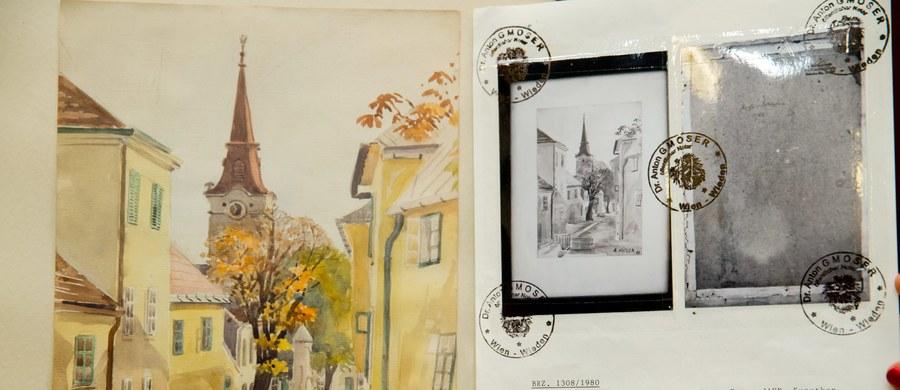 Norymberski dom aukcyjny Weidler sprzedał w sobotę 16 akwareli, których autorstwo przypisuje się Adolfowi Hitlerowi. Nabywcy zapłacili za nie w sumie ok. 40 tys. euro. Kolejne 13 obrazów niebawem także zostanie wystawionych na aukcję.