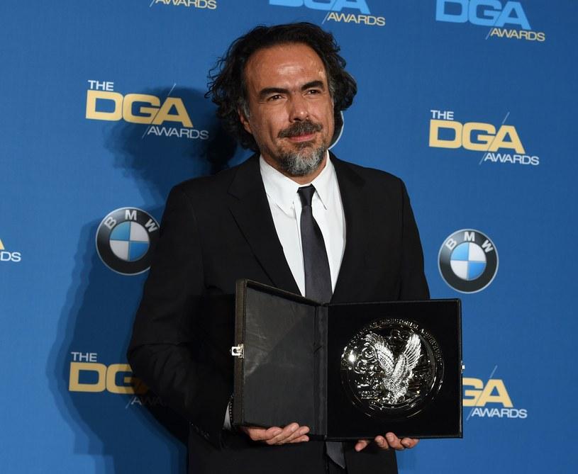 """Gildia Reżyserów Amerykańskich (Directors Guild of America) ogłosiła 6 lutego laureata swej dorocznej nagrody. Tym razem członkowie stowarzyszenia uhonorowali twórcę filmu """"Zjawa"""",  Alejandro Gonzaleza Inarritu. Uroczystość wręczenia nagrody odbyła się w Los Angeles."""