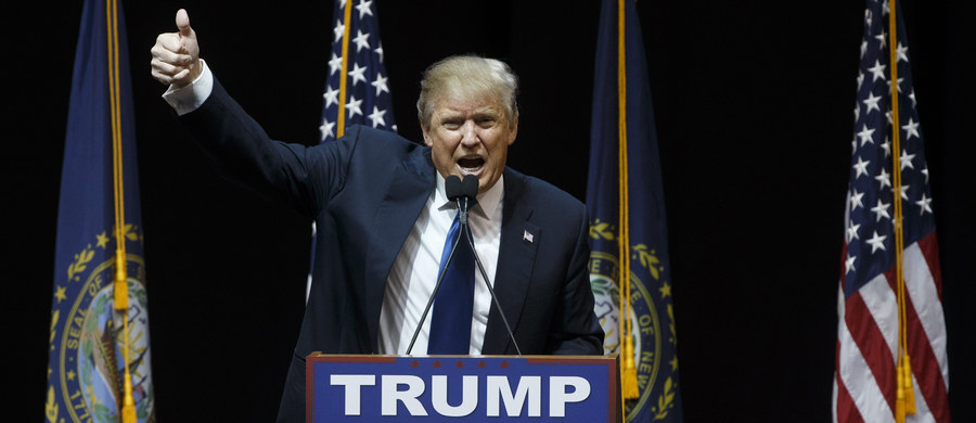 Miliarder Donald Trump oraz senator z Vermont Bernie Sanders wygrali w prawyborach w amerykańskim stanie New Hampshire - podaje CNN na podstawie sondaży exit polls oraz pierwszych spływających wyników. Porażkę poniosła Hilary Clinton - potwierdził w oświadczeniu dla telewizji PBS szef sztabu byłej Pierwszej Damy.