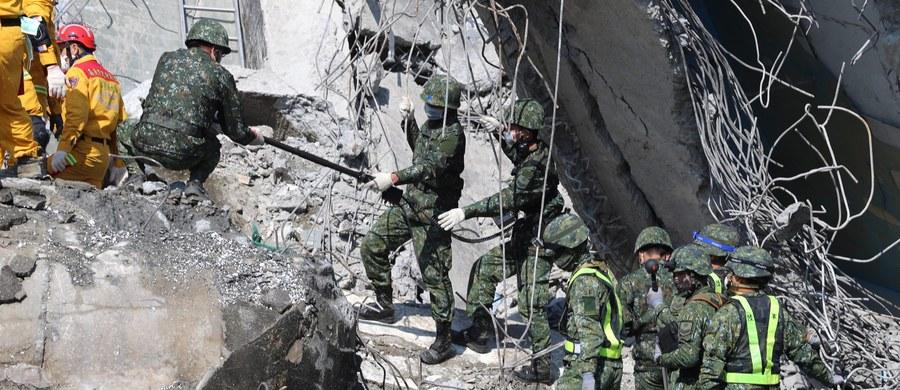 Do 55 wzrosła liczba ofiar śmiertelnych trzęsienia ziemi, które pięć dni temu nawiedziło Tajwan. Aż 53 osoby zginęły pod gruzami jednego z budynków w mieście Tainan. Nadal zaginionych jest tam 83 ludzi.